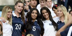 WAGs Seksi Perancis Meriahkan Laga Terakhir Grup E