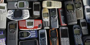 Berkat Ponsel Nokia Jadul, Nyawa Kakek Ini Terselamatkan