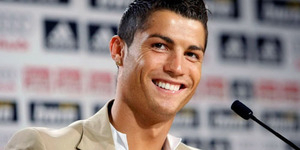 Cristiano Ronaldo Pemain Sepak Bola Terkaya di Dunia Versi Forbes