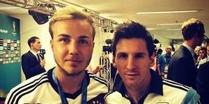 Foto Selfie Pahlawan Jerman Mario Gotze Bersama Messi