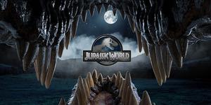 Poster Perdana Jurassic World Tampilkan Velociraptor