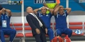 Lelucon Ekspresi Konyol Pelatih Argentina saat Lawan Belgia
