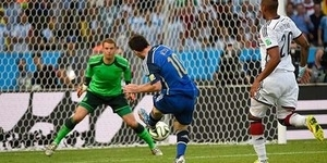Manuel Neuer Raih Golden Glove Kiper Terbaik Piala Dunia 2014