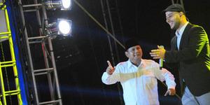 Maher Zain Nyanyikan Lagu 'Insha Allah' Diiringi Teriakan 'Prabowo'