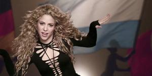 Shakira Bawakan 'La La La' di Penutupan Piala Dunia 2014