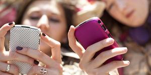 Remaja Hobi Kirim SMS Punya Nafsu Seks Tinggi