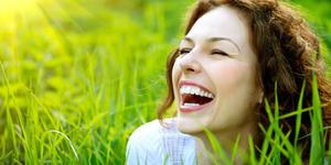 Tingkatkan Fungsi Otak Dengan Banyak Tertawa