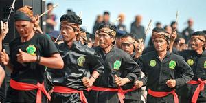 2.000 Peserta Festival Debus Banten Pecahkan Rekor MURI