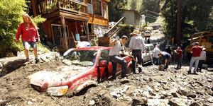 Banjir Lumpur California Isolasi 500 Anak-anak di Dalam Gereja