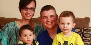 Bertukar Peran, Pasangan Transgender Dikaruniai 2 Anak