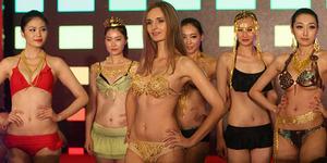 Bikini Berlapis Emas Seharga Rp 1,9 Miliar