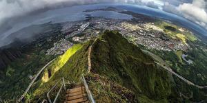 Haiku, Tangga Menuju Surga di Hawaii