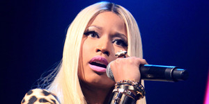 Nicki Minaj Pamer Bokong di Video Lirik Anaconda