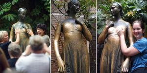 Pegang Dada Patung Juliet di Italia Bisa Enteng Jodoh?