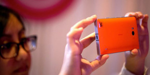 Bocoran Foto Nokia Lumia 730 Superman, Smartphone Khusus Selfie