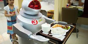 Robot Wall-E Jadi Pelayan Restoran China