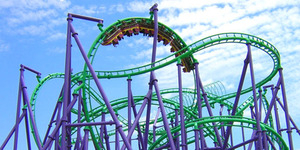 Roller Coaster Macet di Ketinggian 75 Meter