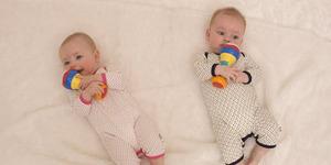 Video Susahnya Menidurkan Bayi Kembar