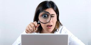 Wanita Gemar Stalking Mantan di Jejaring Sosial