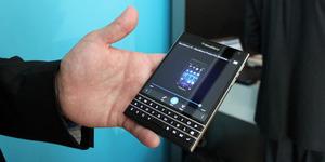 BlackBerry Passport Resmi Dirilis, Harga Rp 6 Juta
