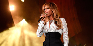 Foto Dada Beyonce Hampir Terekspos di Global Citizen Festival