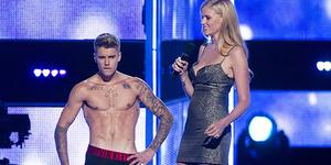 Heboh Foto Justin Bieber Bugil di Panggung Fashion Rocks