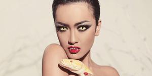 Foto Seksi Julia Perez Ala Ratu Vampir