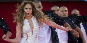 Kelar GP Singapura, Jennifer Lopez Goyang Bokong Seksi