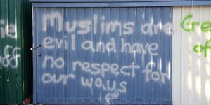 Masjid Muslim Indonesia di Australia Dicoreti 'Muslim adalah Iblis'