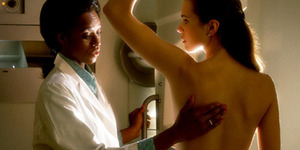 4 Mitos Penyebab Kanker Payudara
