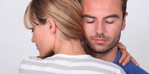 4 Tips Agar Suami Semakin Sayang Istri