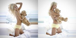Foto Seksi Paris Hilton Topless di Atas Ranjang