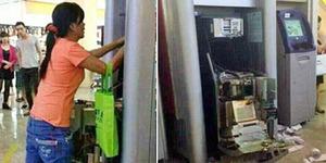 Hebatnya Wanita China Bongkar Mesin ATM dengan Tangan Kosong
