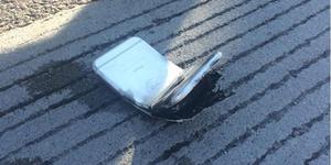 Jatuh Dari Becak, iPhone 6 Terbakar