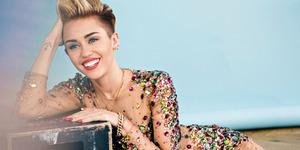 Miley Cyrus Beli Foto Wanita Bugil Rp 3,6 Juta