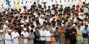 Pimpin Salat Ied, Imam Meninggal saat Tahiyat Akhir