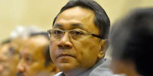 Sidang Paripurna Tetapkan Zulkifli Hasan sebagai Ketua MPR 2014-2019