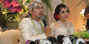Tradisi Berebut Alat Dapur di Pernikahan Raffi Ahmad-Nagita Slavina