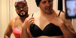 2 Pria Jerman Implan Payudara untuk Merasakan Jadi Wanita