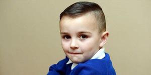 Bocah Berambut Gaul Dilarang Pihak Sekolah Ikut Foto