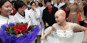 Divonis Umur Tinggal 1 Bulan, Pasien Kanker Stadium 4 Menikah di Rumah Sakit