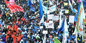Hari Pahlawan, FPI dan Buruh Demo Ahok di Balai Kota DKI