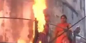 Insiden Demo Bakar Hijab, Wanita di India Justru Terbakar