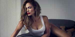 Jennifer Lopez Rawat Kulit dengan Serbuk Berlian