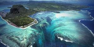 Keindahan Air Terjun Bawah Laut Mauritius