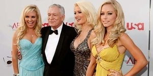 Skandal Seks Kendra Wilkinson dengan Bos Playboy Hugh Hefner