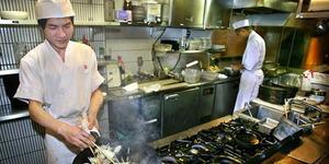 Stres Lembur 200 Jam Sebulan, Pegawai Restoran di Jepang Bunuh Diri