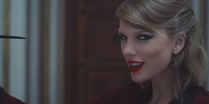 Taylor Swift Mendadak Gila di Video Klip Blank Space