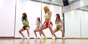 Video Tarian Seksi Sensual Hello Venus 'Wiggle Wiggle'