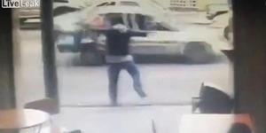 Video Karma Pencopet Dihantam Mobil